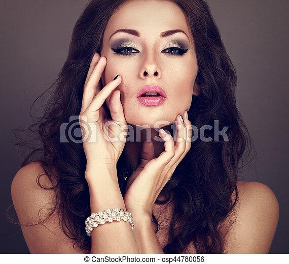 Grey Evening Makeup