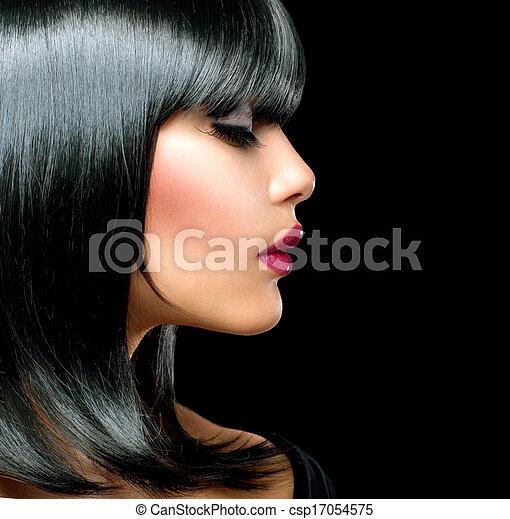 Beautiful Brunette Girl. Beauty Woman with Short Black Hair - csp17054575