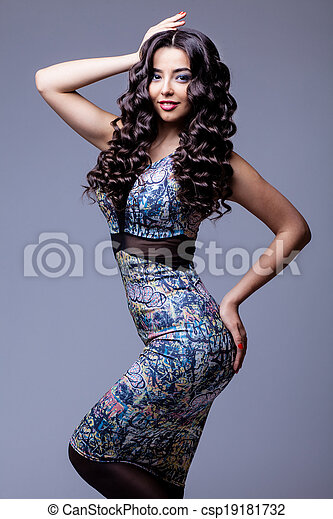 Beautiful Brunette Girl with Healthy Long Hair - csp19181732