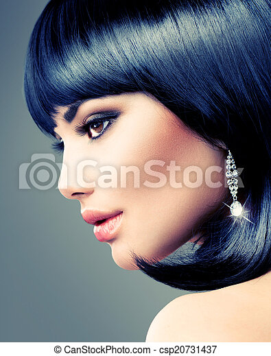 Beautiful Brunette Woman. Bob Haircut. Short hair - csp20731437