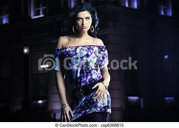 Beautiful brunette woman posing - csp6368815