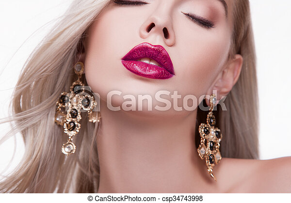 Blonde big lips