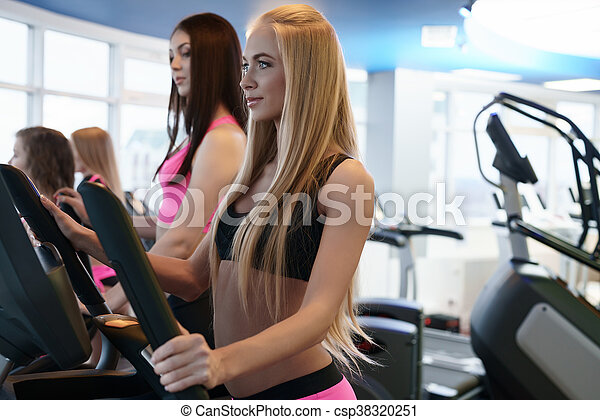 gym with girls