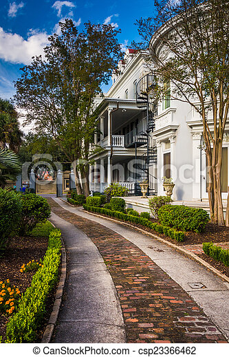 Beautiful house and garden in Charleston, Florida. - csp23366462