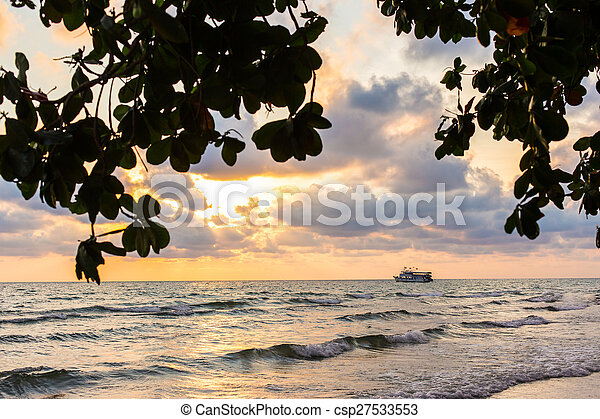Beautiful red sunset over the ocean - csp27533553