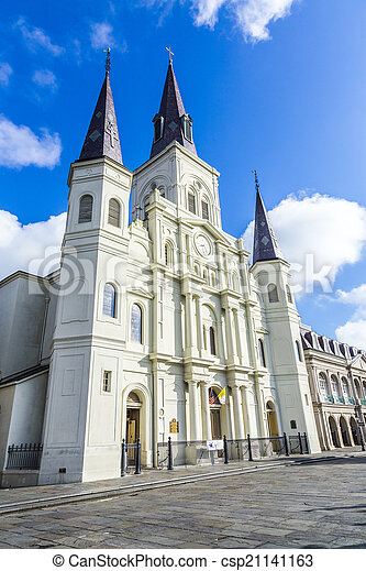 Beautiful Saint Louis Cathedral in the French Quarter in New Orl - csp21141163