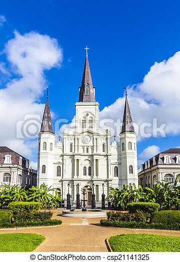 Beautiful Saint Louis Cathedral in the French Quarter in New Orl - csp21141325