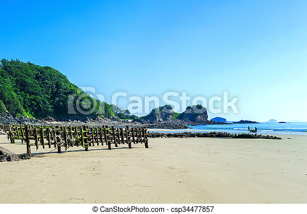 Beautiful seascape and blue sky. - csp34477857
