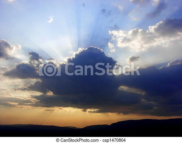 Beautiful sky with rays f sun - csp1470804