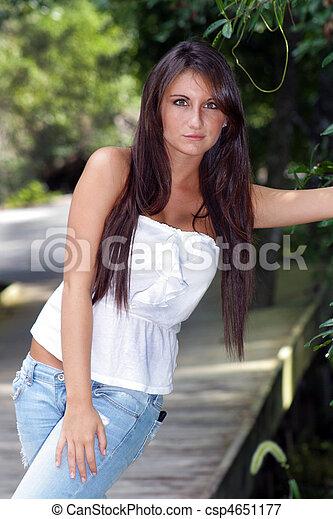 Teen brunete