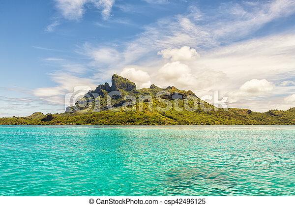 Beautiful view of Otemanu mountain on Bora Bora island, French Polynesia - csp42496125