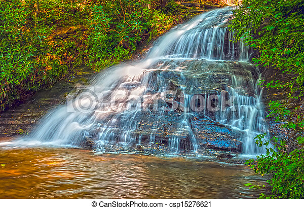 beautiful watrefalls in upstate south carolina - csp15276621