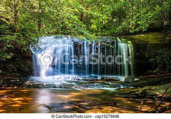 beautiful watrefalls in upstate south carolina - csp15276696