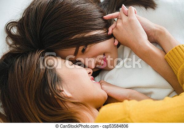 Lesbian fisting pussy pics