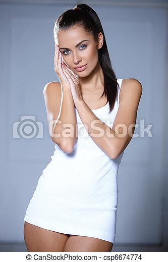 Beautiful young woman - csp6674774