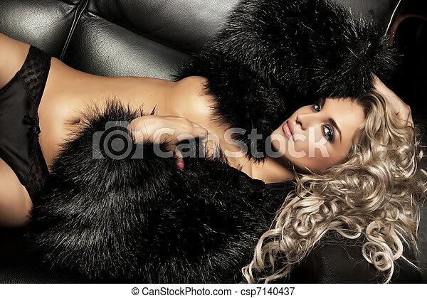 Beauty blond woman - csp7140437