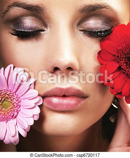 Beauty brunette with flowers - csp6720117