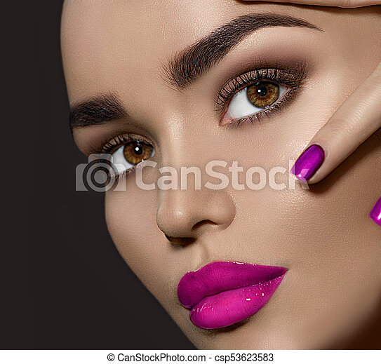 Beauty brunette woman with perfect makeup - csp53623583