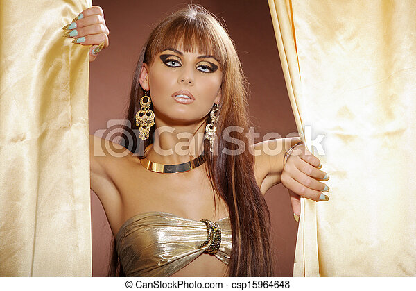 Beauty in Cleopatra style - csp15964648