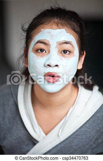 beauty mask - csp34470763