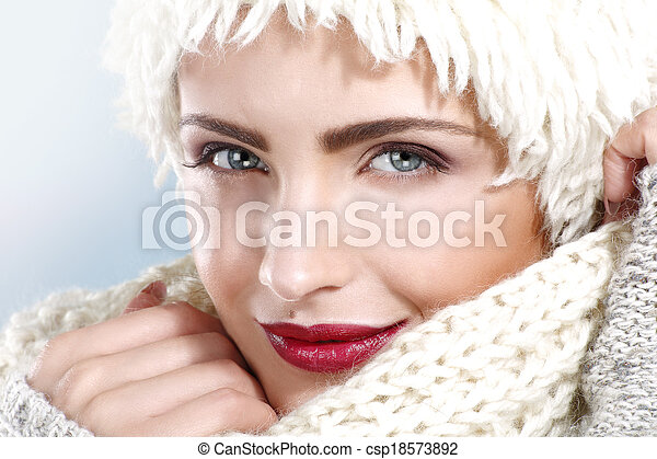 beauty shot of a beautiful woman in winter clothes - csp18573892