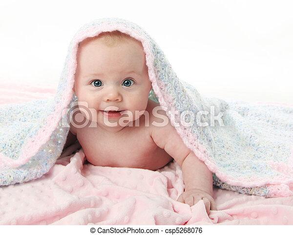 bebê bonito, cobertor, sob - csp5268076