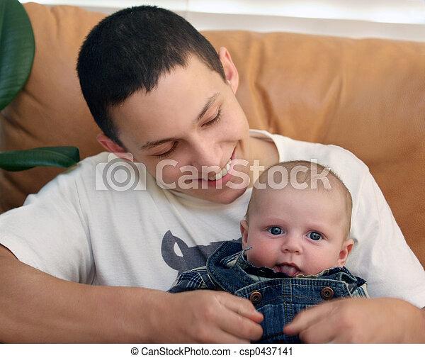 bebê, irmão - csp0437141