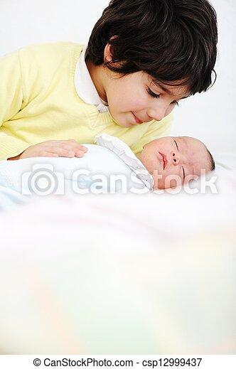 bebê recém-nascido - csp12999437
