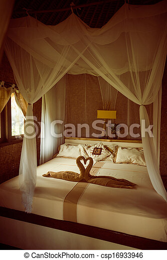 Bed with canopy - csp16933946
