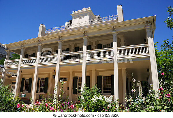 Beehive House a Historic Residence of the Mormon Church in Salt Lake City, Utah - csp4533620