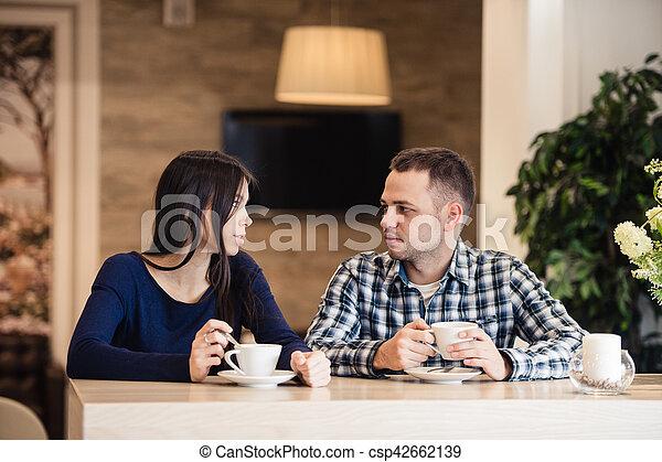 Ich datiert ein Ehepaar Promi-Matchmaking