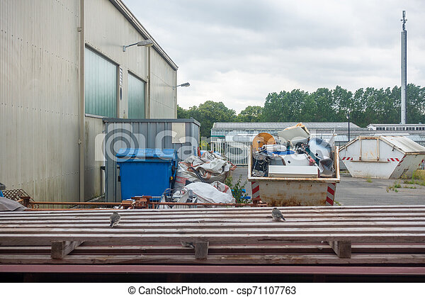 behälter, muell, schrott, dahin, metall, hinterhof, behälter - csp71107763