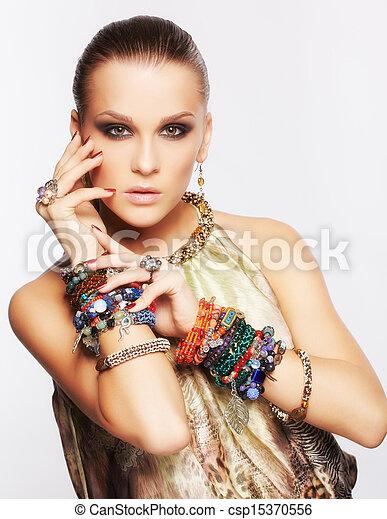 bella donna, gioielleria - csp15370556