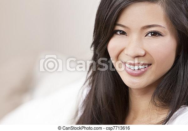 belle femme chinois oriental asiatique sourire beau image de stock recherchez photos. Black Bedroom Furniture Sets. Home Design Ideas