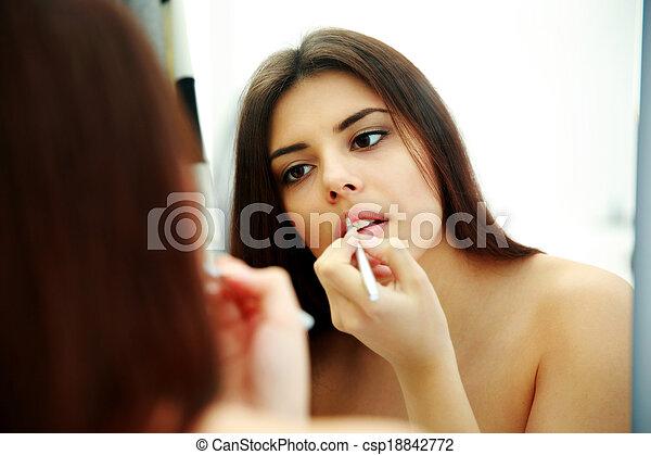 belle femme, maquillage, jeune regarder, quoique, miroir - csp18842772