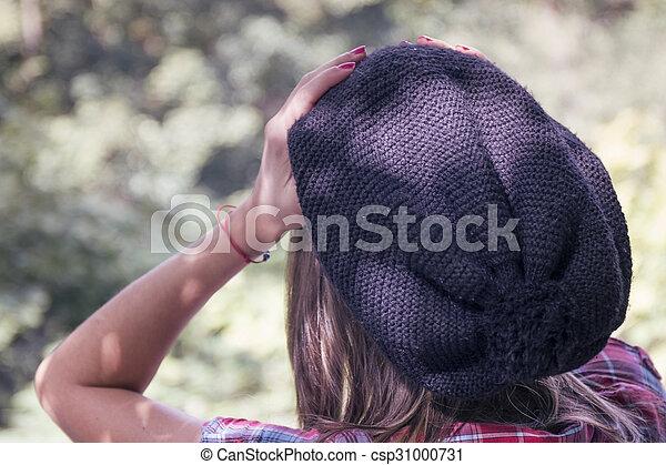 belle femme, parc, jeune, automne, portrait - csp31000731