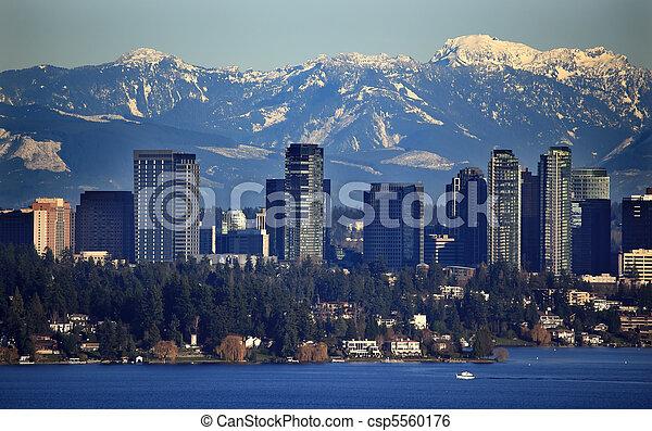 Bellevue Lake Snowy Cascade Mountains Washington State - csp5560176