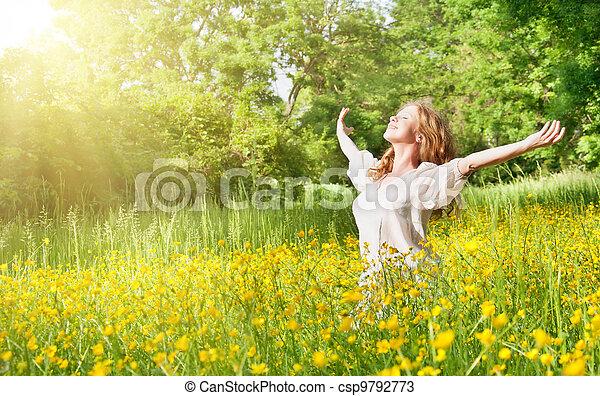 bello, estate, ragazza, godere, sole - csp9792773