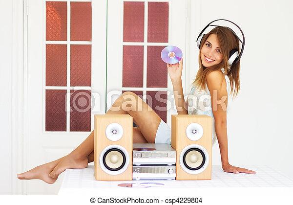 bello, ragazza, ascoltare musica - csp4229804