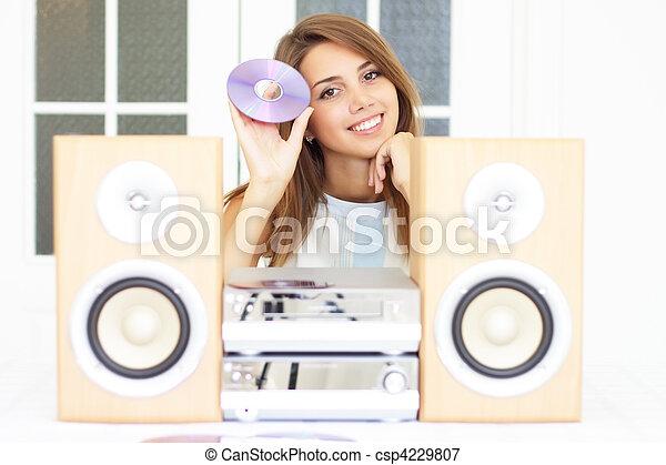 bello, ragazza, ascoltare musica - csp4229807