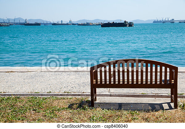 Bench by the sea. - csp8406040