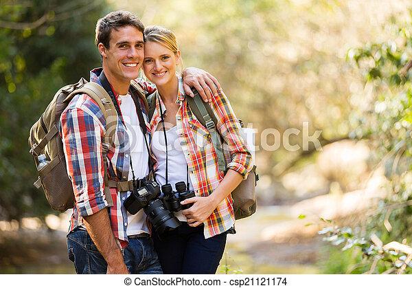berg, paar, junger, wandern - csp21121174