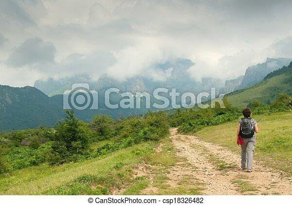 berg, vrouw, toerist - csp18326482