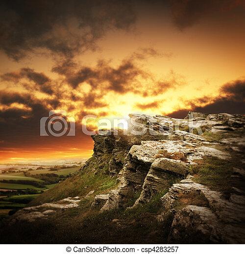 bergen, op, ondergaande zon  - csp4283257
