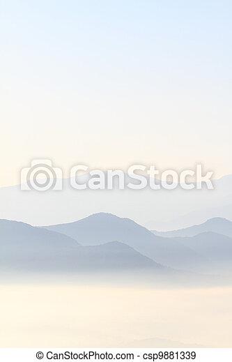 bergrücken, berge, blaues, szenische ansicht - csp9881339