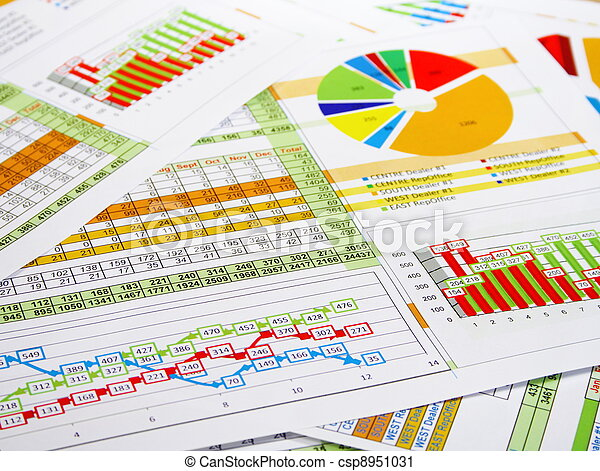 Berichten Sie in Karten und Diagrammen - csp8951031