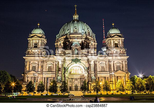 Berliner Dom in Berlin - csp23884887