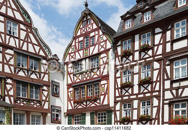 bernkastel, maisons, allemagne, moyen-âge - csp11411682