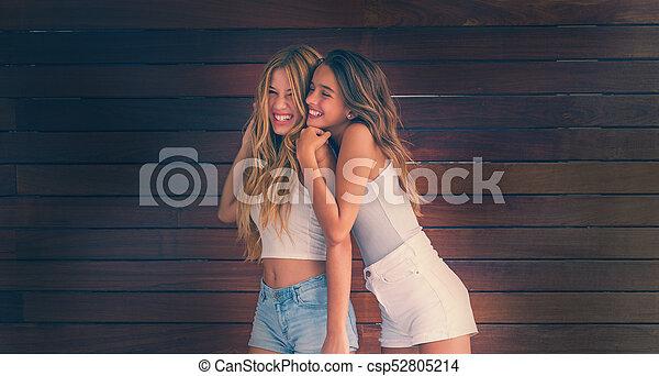 girls-ahving-teen-free-ass-titt-bouncein-nude