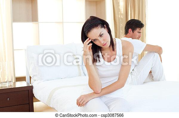bevinding, paar, omgooien, resultaten, test, zwangerschap, uit - csp3087566